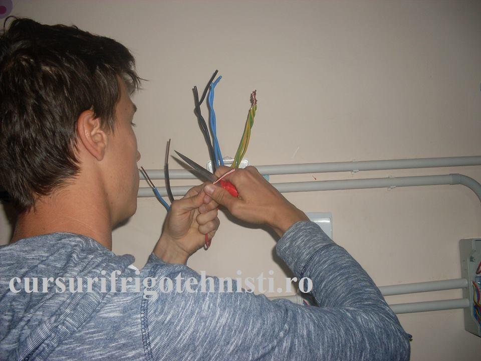 Curs electrician exploatare medie si joasa tensiune legaturi electrice in doze